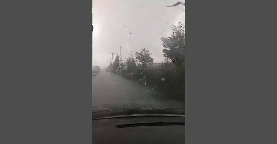 Ισχυρή χαλαζόπτωση τώρα έξω από τη Λάρισα - Δείτε το εντυπωσιακό βίντεο