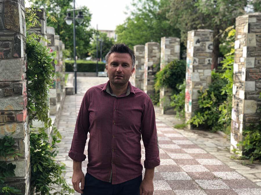Ο Λαρισαίος Βορειοηπειρώτης Οδυσσέας Μπόρος που διεκδικεί την εκλογή του στο δημοτικό συμβούλιο