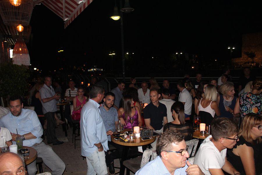 Χαλαρή βραδιά επικοινωνίας με πλήθος κόσμου για τον Γιώργο Κατσιαντώνη - Πλούσιο Φωτορεπορτάζ