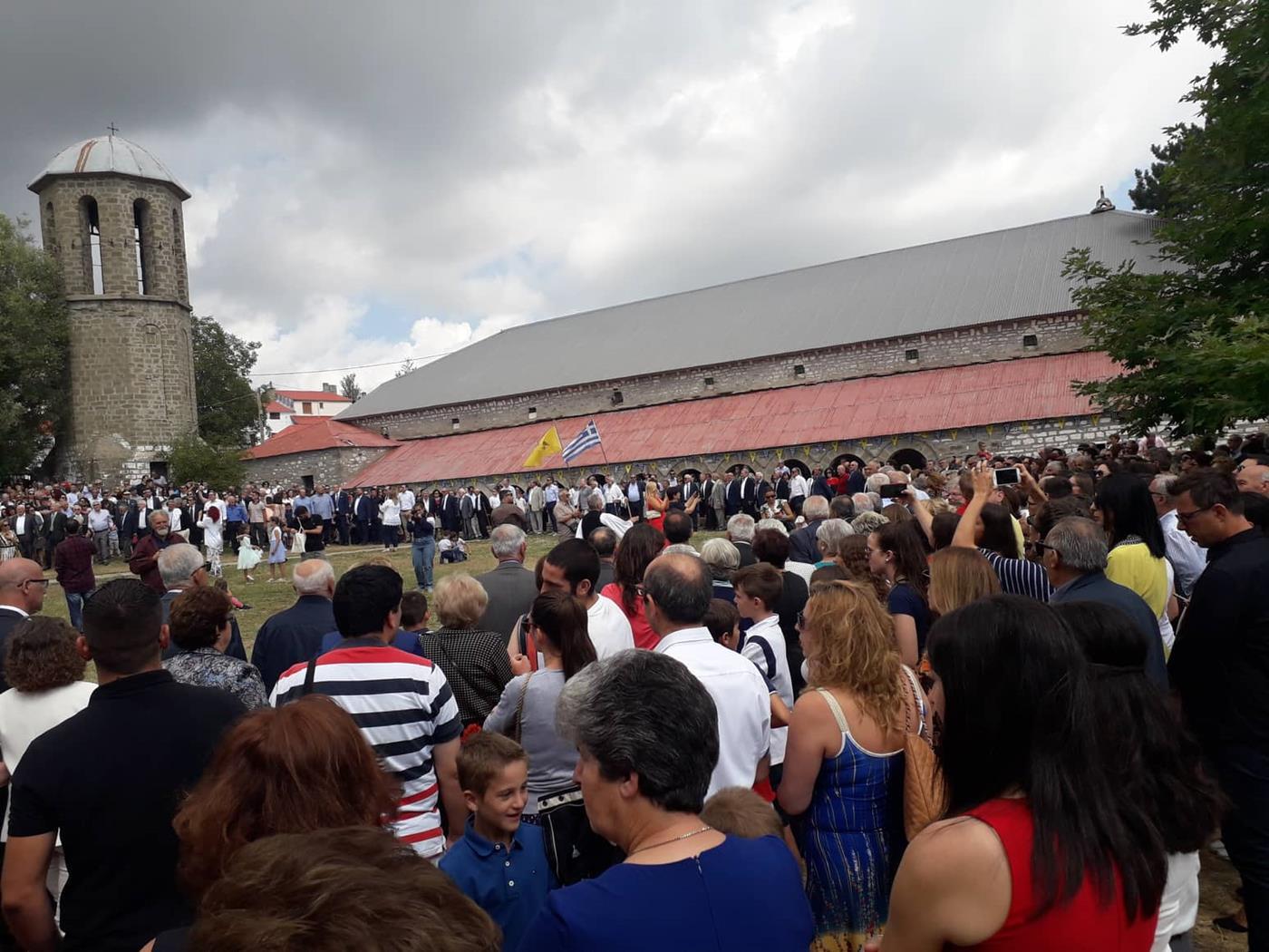 """Πλήθος Λαρισαίων στη Σαμαρίνα για τον """"Τσιάσιο"""", τον """"τρανό χορό"""" (φωτογραφίες)"""