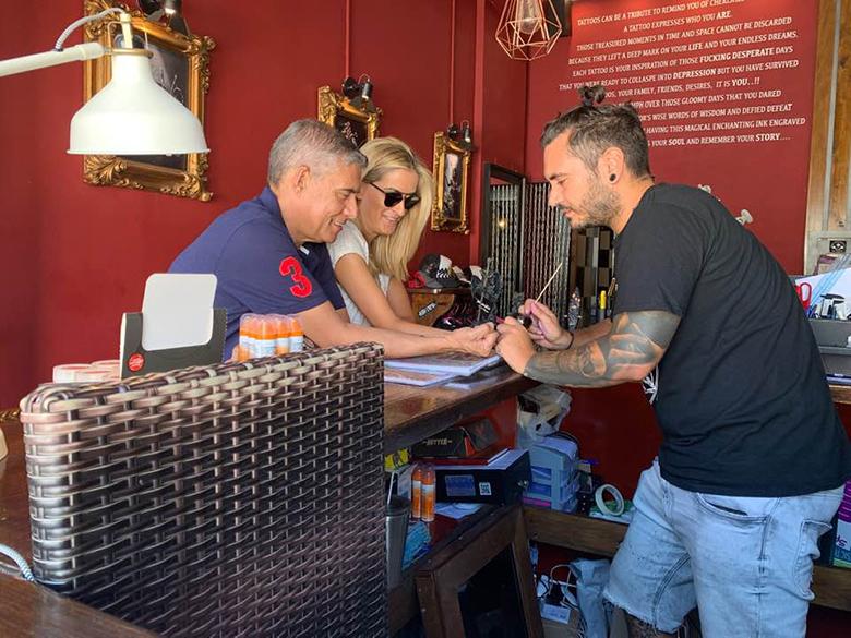 Ο Αγοραστός ξανα...χτύπησε τατουάζ στη Σκιάθο! (φωτό)