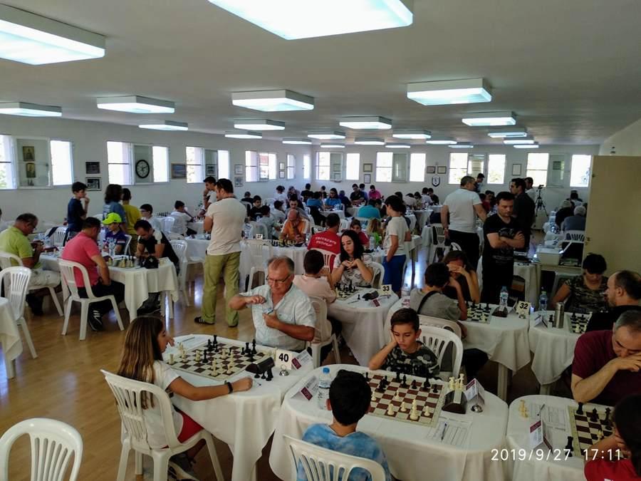 Στα Φάρσαλα διεξήχθη ένα από τα μεγαλύτερα σκακιστικά ραντεβού της Ελλάδας (φωτο)