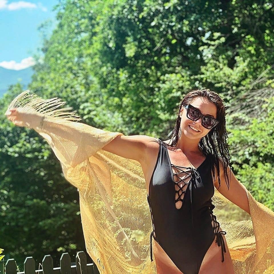 Μια πανέμορφη Τυρναβίτισσα είναι η φετινή βασίλισσα στο Τυρναβίτικο καρναβάλι (φωτό)