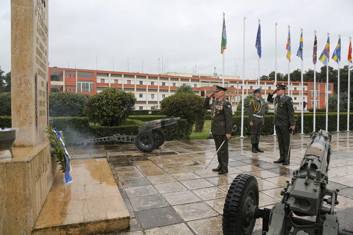 Χωρίς κόσμο πραγματοποιήθηκε η παράδοση - παραλαβή Διοικήσεως της 1ης Στρατιάς στη Λάρισα (φωτο)