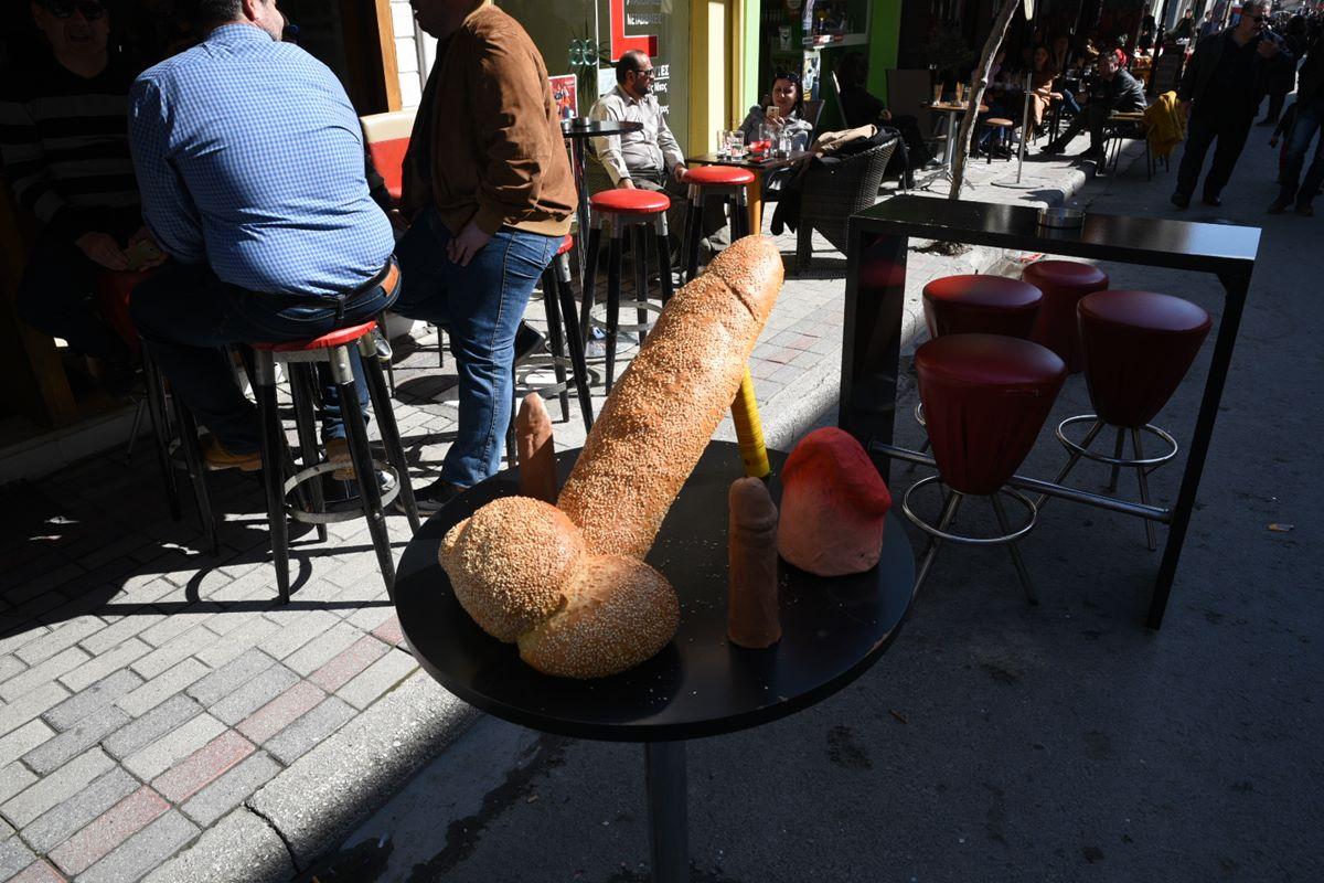 Αυτή είναι η πιο πρωτότυπη λαγάνα και φτιάχτηκε φυσικά στον Τύρναβο (φωτο)