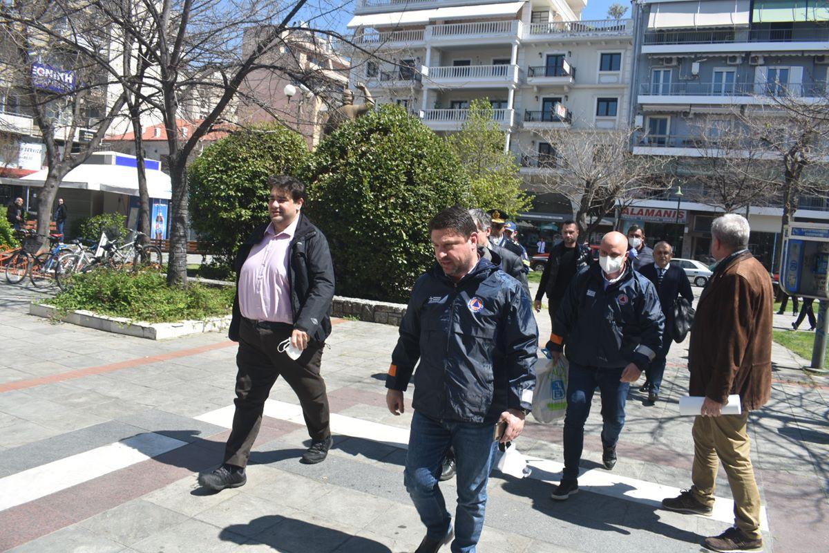 Έφτασαν στη Λάρισα Χαρδαλιάς και Τσιόδρας - Αυτή την ώρα σύσκεψη στην Περιφέρεια (φωτο)