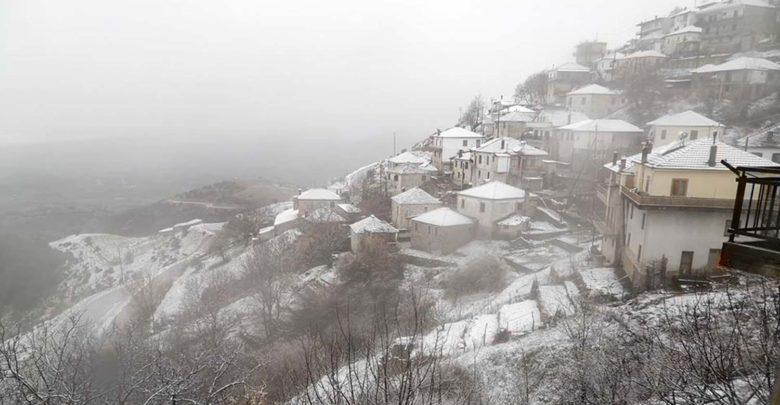 Ποιά άνοιξη; Άντε και καλό... χειμώνα στα ορεινά της Λάρισας! (φωτό)