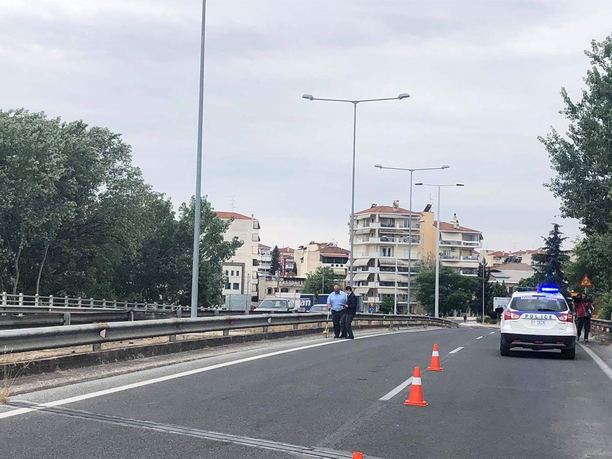 Φρικτό θανατηφόρο τροχαίο στη Λάρισα - Νεκρός οδηγός μηχανής (φωτο)