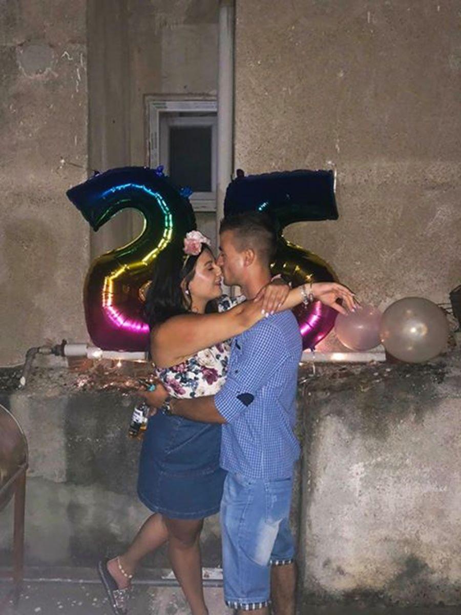 Έκαναν τη νύχτα μέρα στη Λάρισα - Πρόταση γάμου σε ταράτσα πάρτι (βίντεο - φωτο)