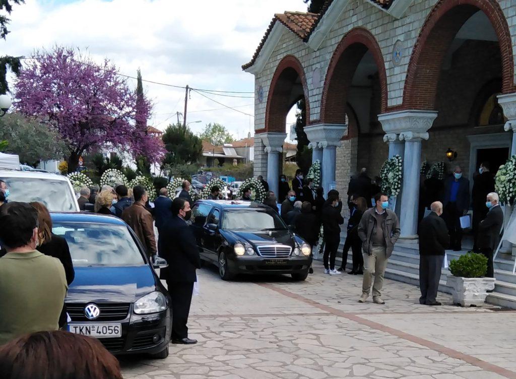 Θρήνος στην κηδεία του γιατρού Στέλιου Κούτσια-Τραγικός ο Θάνατός του[Φωτογραφίες]